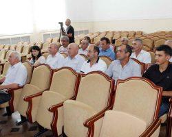 Заместитель министра сельского хозяйства и продовольствия РД Эмин Шайхгасанов с рабочим визитом посетил Табасаранский район
